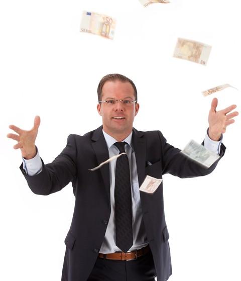 Geld zum Fenster raus