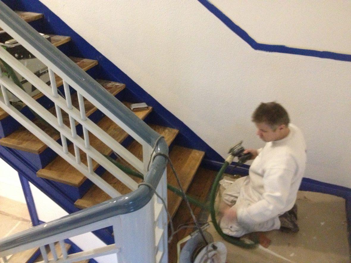 Treppen Hannover treppen sanieren treppenstufen aufarbeiten geländer lackieren