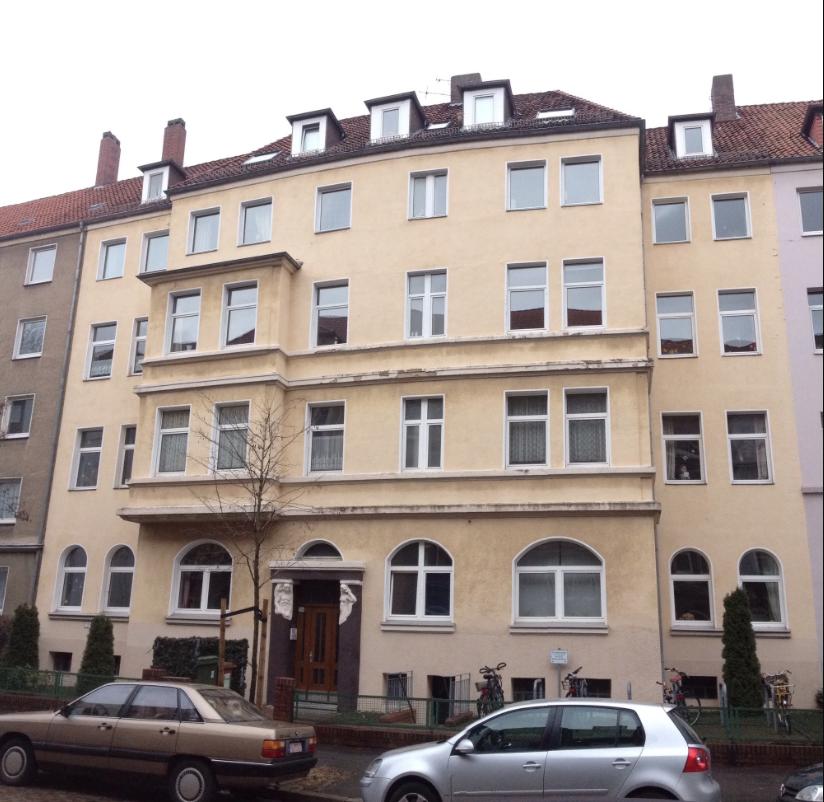 Fassade Vor Der Sanierung Altbaufassade Vor Der Sanierung; Liebevoll  Sanierte Fassade
