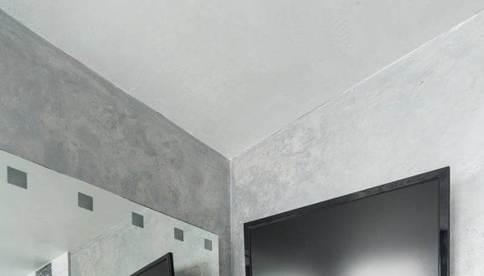 Wandgestaltung mit natürlichem Marmorputz im Bad