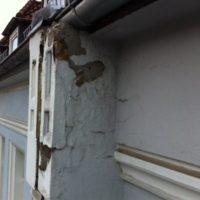 Schadensanalyse - Stilfassade stark beschädigt
