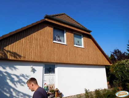 Sanierungsarbeiten an einem Dachüberstand in Großräschen