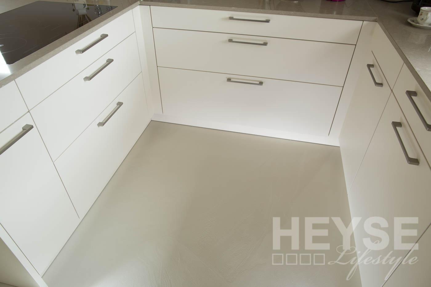 Boden ohne Fugen in der Küche