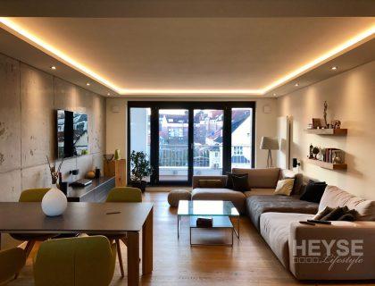 Schönes Wohnzimmer im Loftdesign