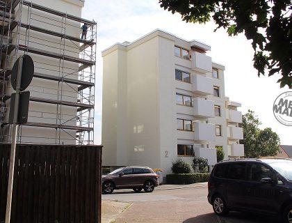 Wohnanlage Bad Homburg: Fassadensanierung durch MeinMaler-Partnerbetrieb Sachs