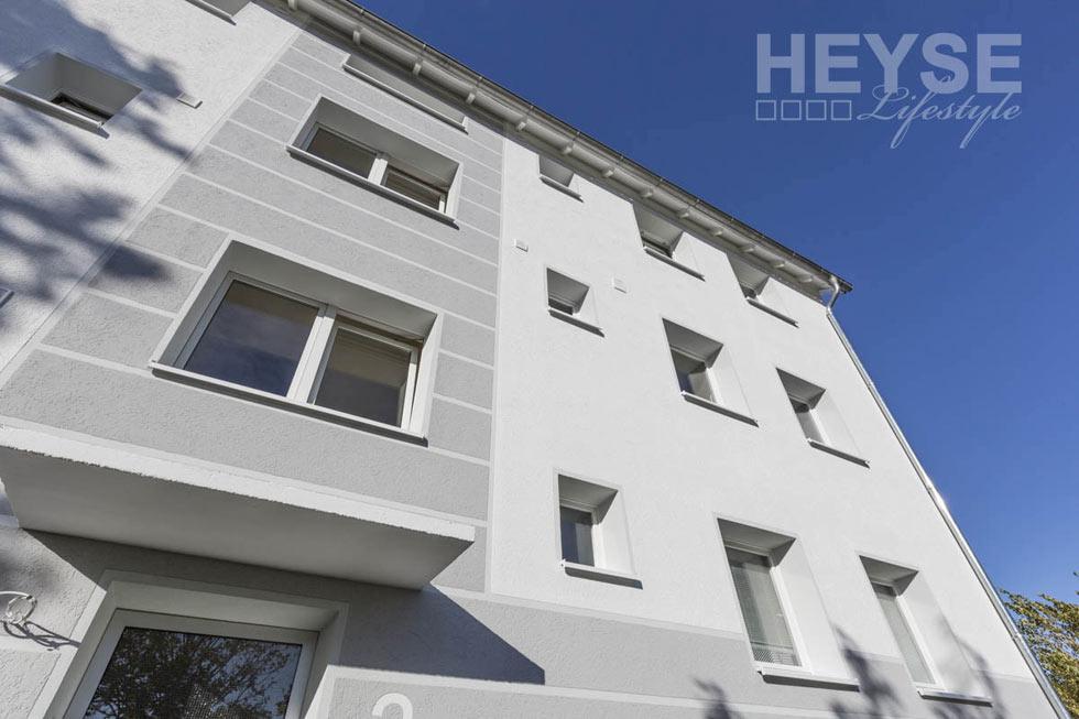 Fassadengestaltung weiß grau  Top Referenz - Wärmedämmung Fassade an einem Mehrfamilienhaus ...