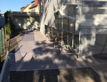 Energetische Sanierung einer Altbaufassade / Waermedaemmverbundsystem, Baustellenimpressionen