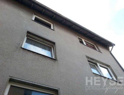 Energetische Sanierung einer Altbaufassade / Waermedaemmverbundsystem, vorher