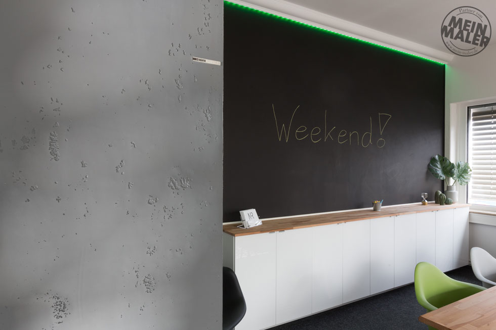 Gestaltung eine b ros magnetwand tafellack betonlook - Tafellack wand ...