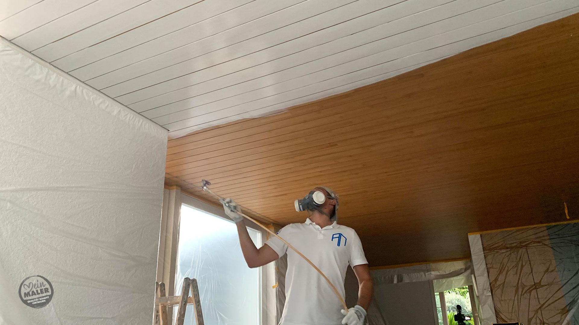 Holzdecke lackieren im Urlaubservice – Lackierarbeiten in